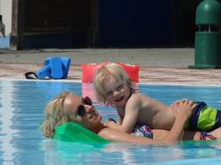 Chillen in het heerlijke zwembad