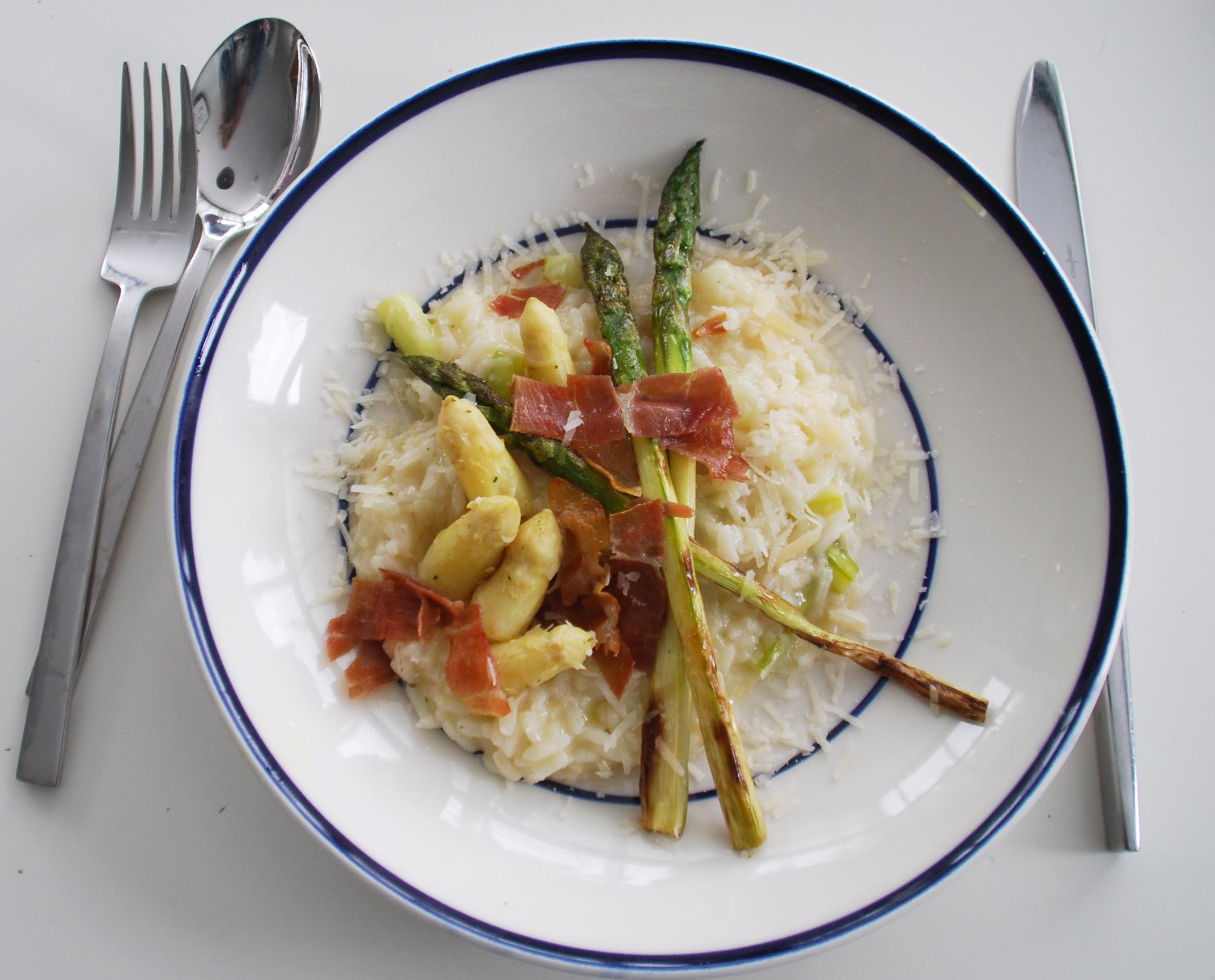 Heerlijke asperges door de risotto!