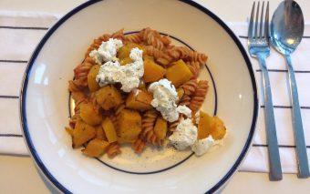 Herfstachtig lekker recept: pasta met pompoen en ricotta.