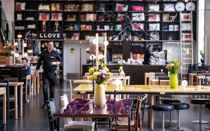 lloyd-restaurant