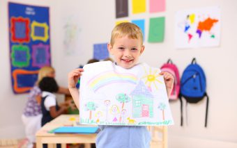 Tips om kinderknutsels en -tekeningen te bewaren.