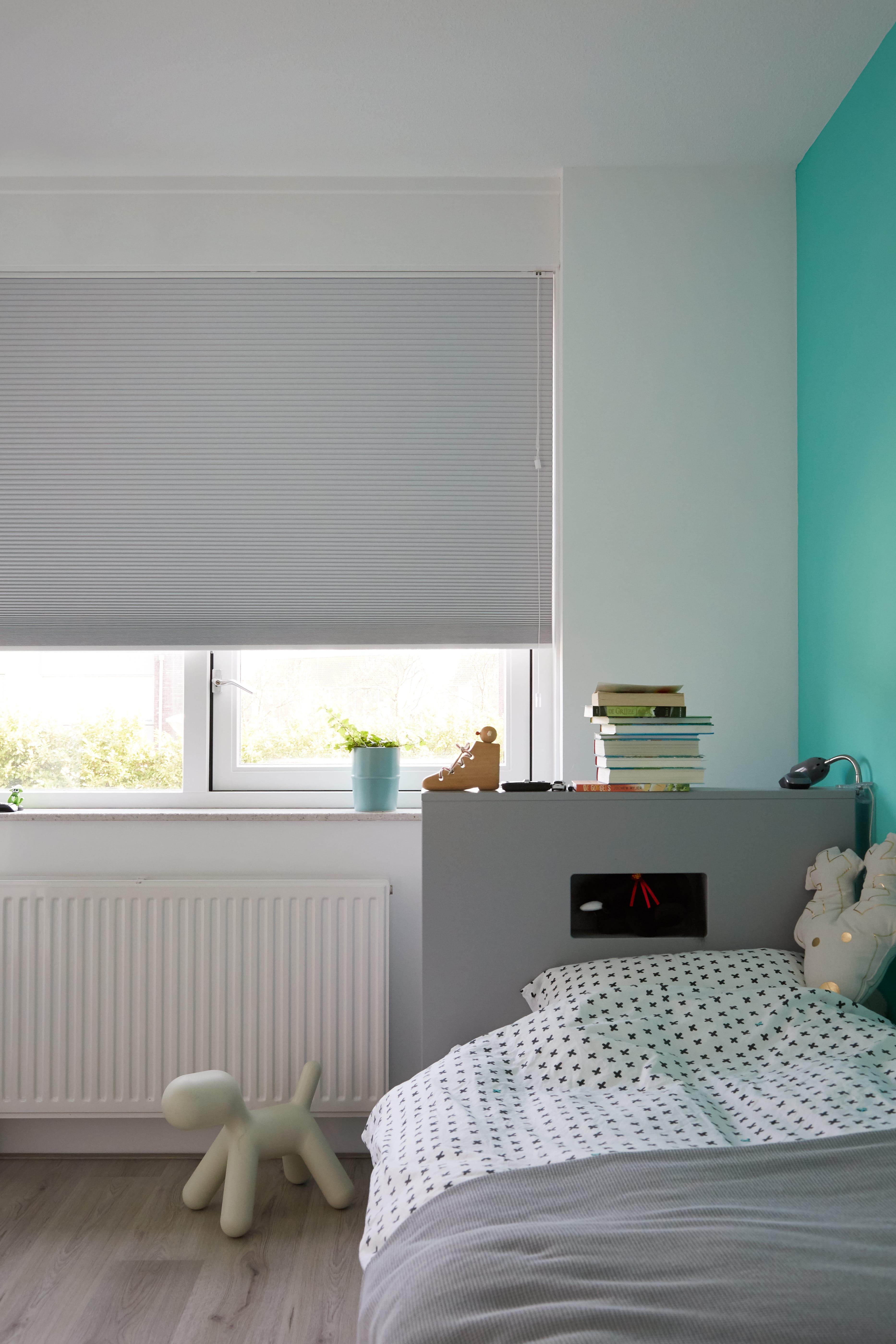 Raamdecoratie voor in de (kinder)slaapkamer.