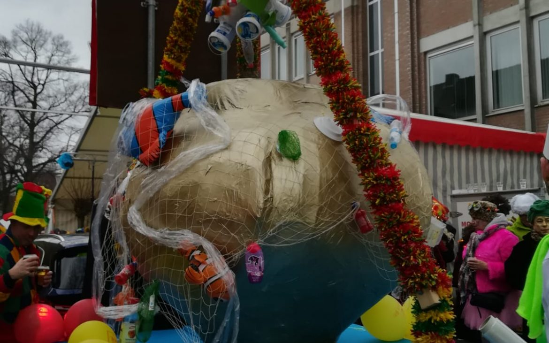 Anouk doet verslag van Carnaval 2019 in Limburg. Vastelaovond.