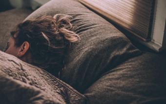 Meivakantie met pubers: slapen en gamen.
